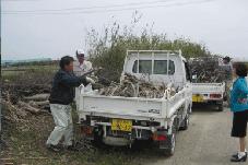 堤塘敷の伐採・片付け